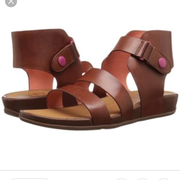 3dc76a8d19e3 Fitflop Shoes - FitFlop Gladdie Sandal sz 8 perfect